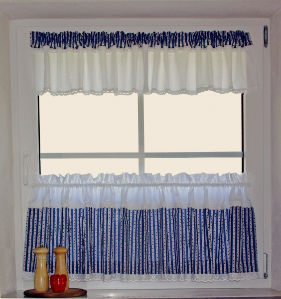 COUNTRY - STYLE  CURTAIN